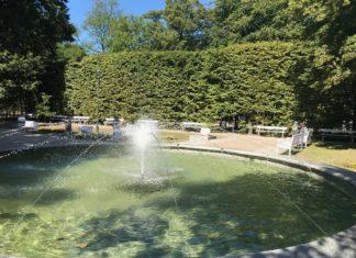 bindaż i fontanna na palcyku przy spacerowej