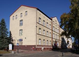 Urząd Miasta w Kołobrzegu, by JDavid - Praca własna, CC BY-SA 3.0.